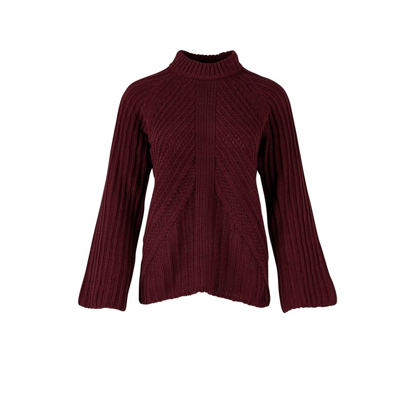 vinröd stickad tröja
